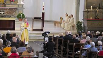 Pfarrer Kai Fehringer predigte im TV-Gottesdienst über das Thema Hirte und Schaf.
