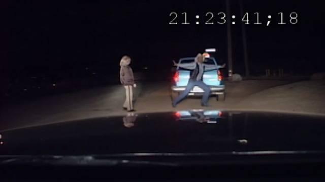 Don't drink and drive: Der wohl lustigste betrunkene Autofahrer ever!