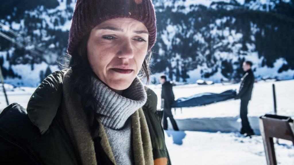 Vor einem Jahr kannte sie noch kaum jemand. Nun hat Sarah Spale aus der SRF-Miniserie «Wilder» drei Gewinnchancen beim Prix Walo, der am Muttertag vergeben wird: Beste Schauspielerin, Beste TV-Produktion und Publikumsliebling. (SRF)