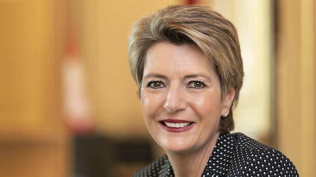 Karin Keller-Sutter richtet Appell an Wirtschaft