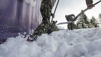 Wegen Neuschnee über Nacht muss die Lauberhorn-Abfahrt am Samstag verkürzt werden