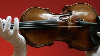 Eine Geige von Stradivari (Archiv)
