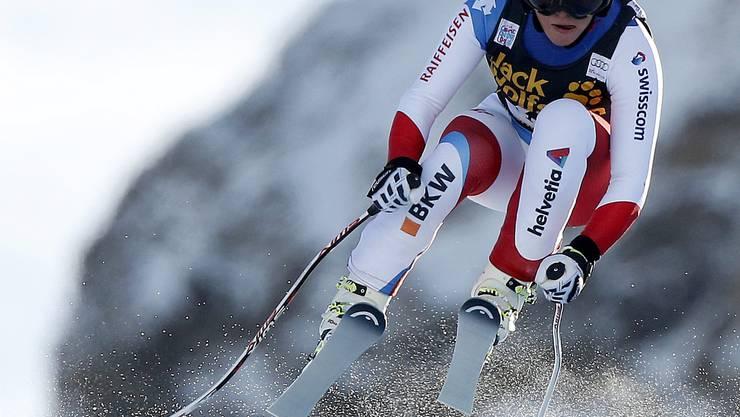 Lara Gut rast die Piste von Val d'Isère runter.