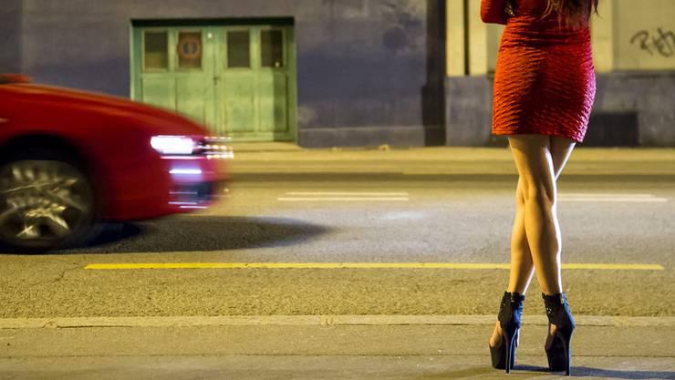 Viele Männer bestehen bei Prostituierten auf Sex ohne Gummi.