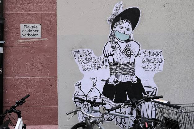Mural am Rümelinsplatz: Widerstand gegen die Verordnung eines Fasnachtsverbots.