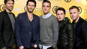 Take That mit Robbie Williams (Mitte)