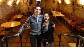 Bianca Weibel und Mischa Schwarzentrub hoffen auf viele Gäste im Grotto.