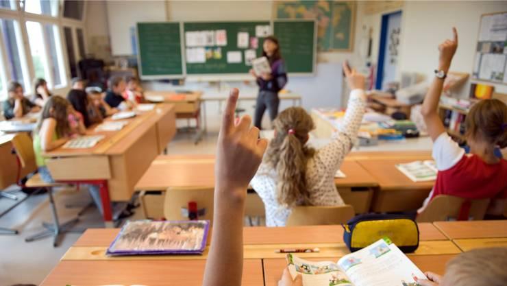 Der Aargauer Regierungsrat spricht sich für die Abschaffung der Schulpflege als strategische Schulbehörde aus. (Symbolbild)
