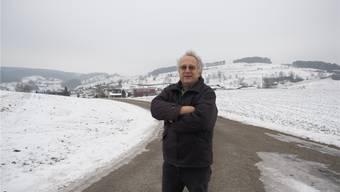 «Ich erwarte, dass der Regierungsrat die Übung jetzt abbricht»: Max Sterchi kämpft gegen eine Aushubdeponie am Standort Buech (Bild) in Herznach. Archiv/twe