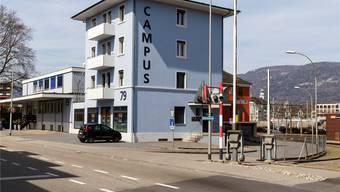 Der International School in Solothurn laufen die Schüler davon – jetzt greift die Wirtschaft ein.