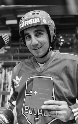 Jim Koleff, Eishockeyspieler beim EHC Bülach, erhält den Schweizerpass