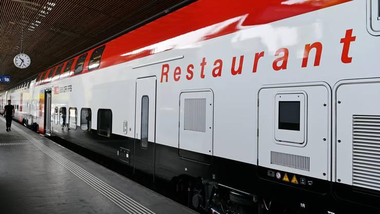 Schweizer Züge verkehren wieder im Regelbetrieb und Gastronomiewagen sind wieder bedient.