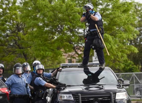 Eskalation und Gewalt statt Deeskalation ist auch heute noch bei vielen US-Polizeieinheiten der Hauptbestandteil der Ausbildung.