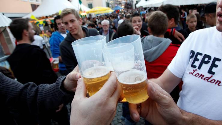 Im Grossen und Ganzen «gäng wie gäng»: Viele Besucher und viel Bier am Märet-Fescht.