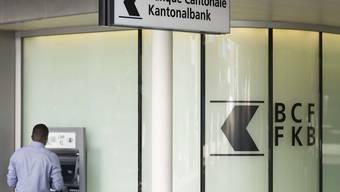 Das Bundesstrafgericht muss sich nochmals mit einer mutmasslich illegalen Geldtransaktion bei der Freiburger Kantonalbank befassen. (Archiv)