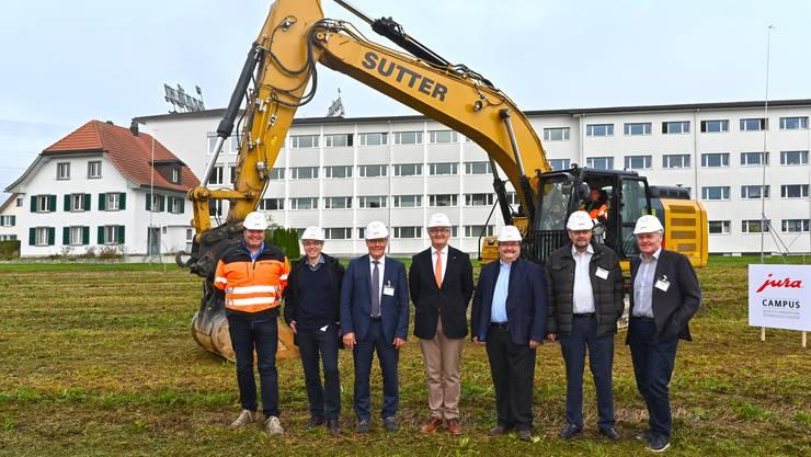 Von links: Christian Sutter (Bauunternehmer), Manuel Gandio (Architekt), Roland Fürst (Landammann), Emanuel Probst (Jura-Chef), Markus Zeltner (Gemeindepräsident), Heinz Katzenstein (Bauingenieur, Guido Sterki (Bauunternehmer).