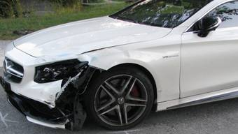 In diesem Auto geriet FDP-Schweiz-Präsident Philipp Müller am Donnerstagabend in Lenzburg auf die Gegenfahrbahn, wo er in eine Rollerfahrerin prallte.