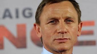 Der britische Schauspieler Daniel Craig zeigt sich von seiner feminimen Seite