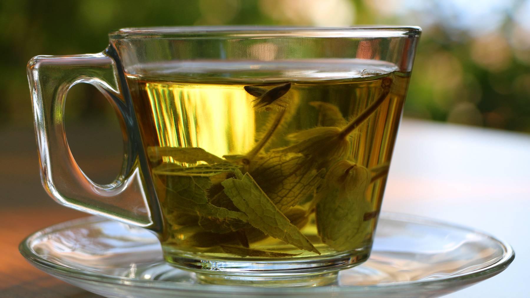 Der Grippe-Tee von Pfarrer Künzle heilte bereits 1918 erkrankte Personen. (Symbolbild)