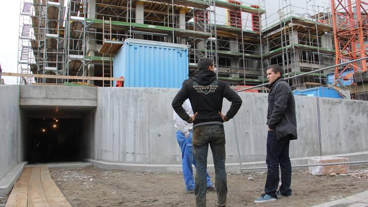 Die Hälfte des Neubaus steht: Tiefgarage, Erd- und erstes Obergeschoss sind am Süd-Point im Rohbau erstellt.