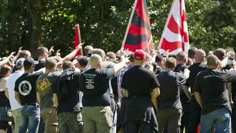 Mehr Gefahr durch allein handelnde Gesinnungsgenossen: Schweizer Rechtsradikale bei einem Aufmarsch auf dem Rütli 2012. (Archivbild)