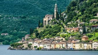 Wer der Grand Tour folgt, kommt am schönen Fischerdorf Morcote vorbei. Die Route führt direkt dem See entlang – auf der einen Seite der Lago di Lugano auf der anderen das Dorf am Hang.