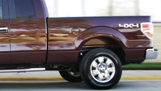 Pick-up-Fahrer macht sich nach Unfall aus dem Staub (Symbolbild)