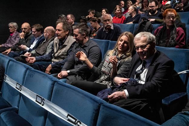 Auch eine Delegation des Solothurner Gemeinderats ist da – inklusive Stadtpräsident Kurt Fluri.