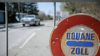 Freie Fahrt über den Zoll: Während des Lockdowns blieben viele Grenzgänger im Homeoffice, dementsprechend wenig Verkehr herrschte bei den Grenzübergängen. Nun könnte der Stau bald zurückkehren.