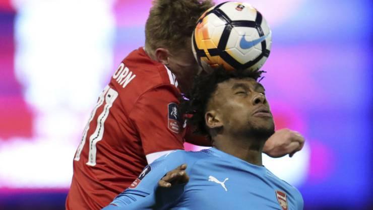 Nottingham Forest und Ben Osborn schwingen gegen Arsenal (Alex Iwobi) obenaus