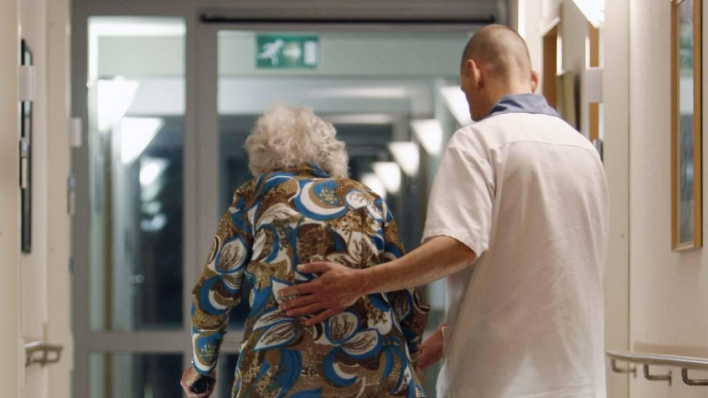 Altersheime setzen an Corona erkranktes Personal ein