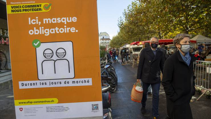 Verstösse gegen die Maskenpflicht sollen künftig schweizweit gleich sanktioniert werden.
