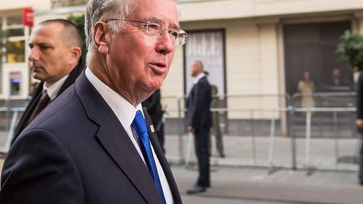 Trotz Brexit will London eine stärkere Kooperation der EU-Staaten bei der Verteidigung weiter blockieren. Dies machte der britische Verteidigungsminister Michael Fallon am Dienstag in Bratislava vor dem Treffen mit seinem EU-Amtskollegen deutlich.