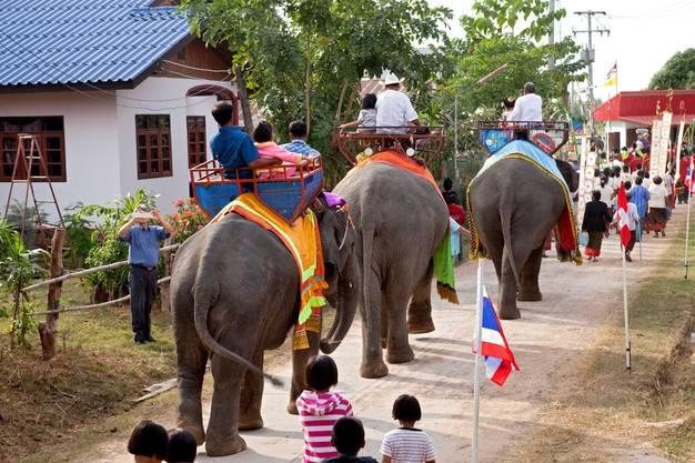 Farbenprächtiges Leben in Thailand