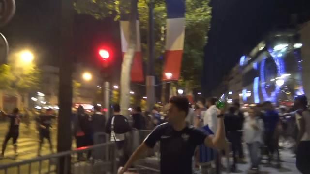 Frankreich-Fans liefern sich Strassenschlacht mit Polizei