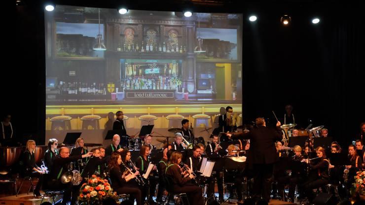 Die Irish Pub Band von Brendan Walsh mit der Harmonie Urdorf.