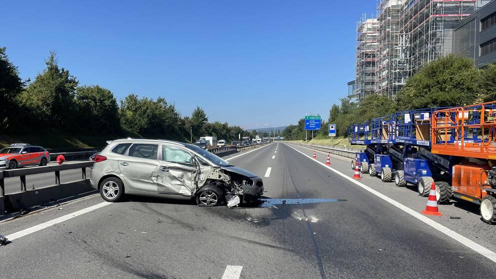 Autobahn A2 nach Selbstunfall gesperrt