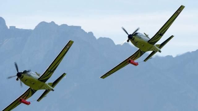 Zwei Pilatus PC-9 der Schweizer Luftwaffe (Archiv)