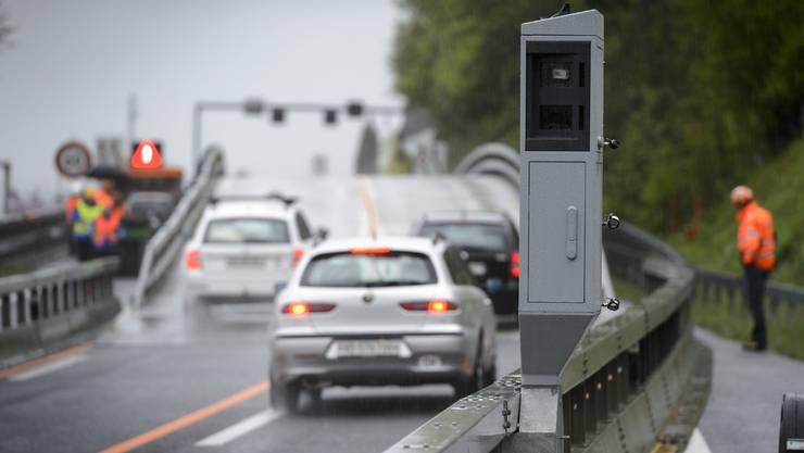 Geht es nach der FDP sollen Autofahrer künftig vor Radarkontrollen gewarnt werden.