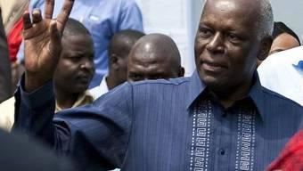 Angolas Präsident José Eduardo dos Santos bleibt wohl für weitere fünf Jahre im Amt