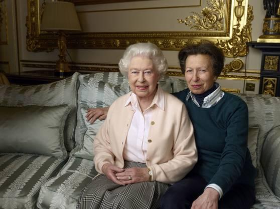 Queen Elizabeth II. mit ihrer Tochter, Princess Royal.