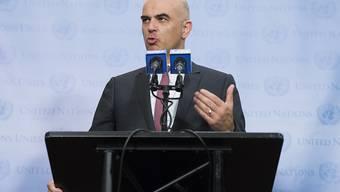 Bundespräsident Berset hat in New York vor den Medien die Wichtigkeit des Multilateralismus in der heutigen Zeit hervorgehoben.