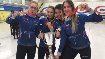 Die Meisterinnen (von links): Alina Pätz, Skip Silvana Tirinzoni, Esther Neuenschwander und  Melanie Barbezat