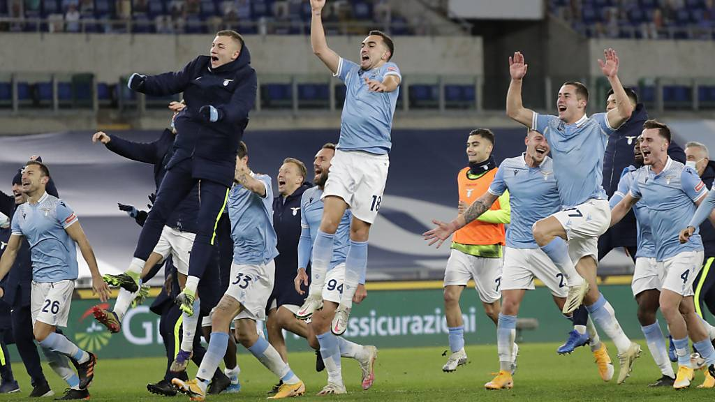 Grosse Freude herrscht nach dem Derbysieg bei den Spielern von Lazio