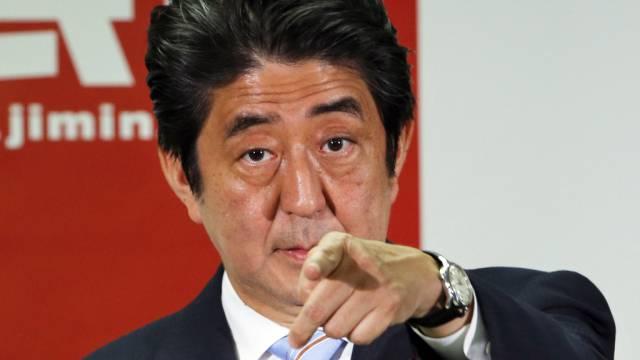 Shinzo Abe (Archivbild) hat Erfolg mit seiner Wirtschaftpolitik