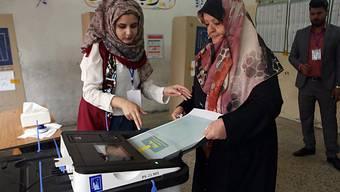 Ein Wahlbüro in Bagdad. Insgesamt waren rund 24,5 Millionen Wahlberechtigte aufgerufen, die 329 Mitglieder des Parlaments neu zu bestimmen.