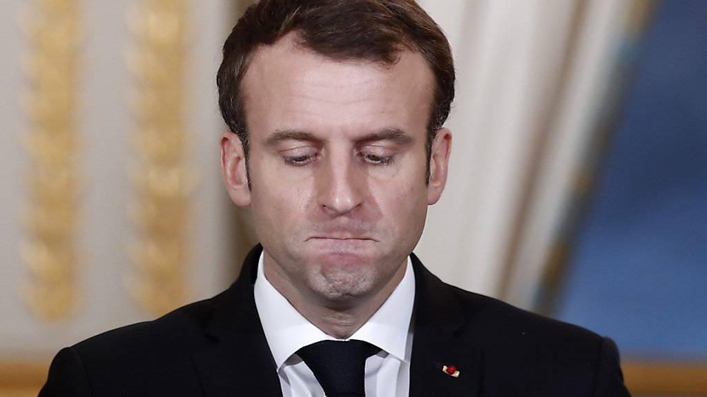 Ein ehemaliger Mitarbeiter des französischen Präsidenten Emmanuel Macron soll sich zu umstrittenen Tätigkeiten und verdächtigen Zahlungen äussern. (Archivbild)