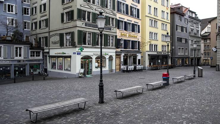 Leere Gassen, geschlossene Geschäfte und Restaurants: Die Stadt Zürich kommt ihren gewerblichen Mietern in der Corona-Krise entgegen. (Symbolbild)