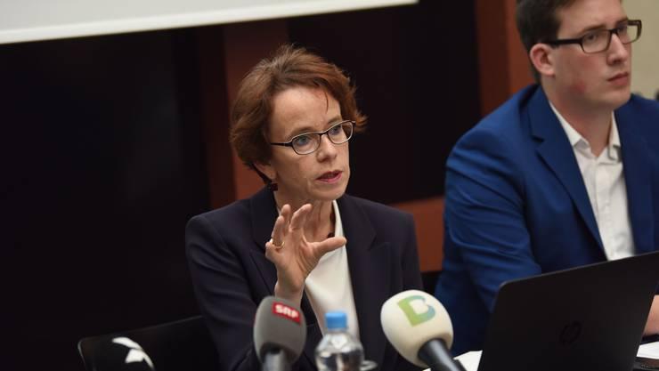 Damals zogen sie noch am selben Strick: SP-Finanzdirektorin Eva Herzog und CVP-Politiker Patrick Huber bei der Präsentation des Steuerkompromisses.