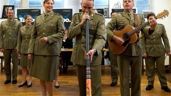 Die «Australian Army Band» hat an der Medienkonferenz einen Vorgeschmack auf ihre Show geboten. Kenneth Nars